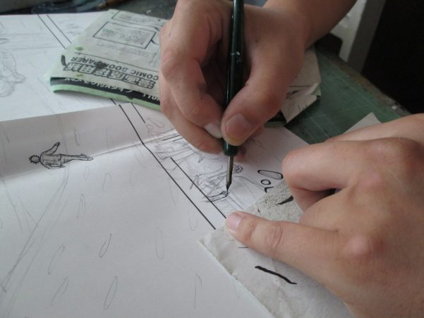 漫画「幻想の森」を描いている画像